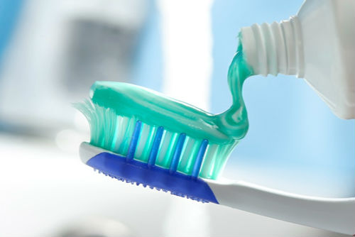 Can Toothpastes Whiten Your Teeth? - image