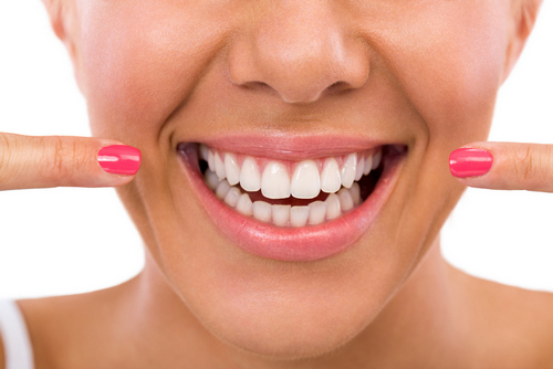 Is Straight Teeth Whitening Dangerous in London? - Image